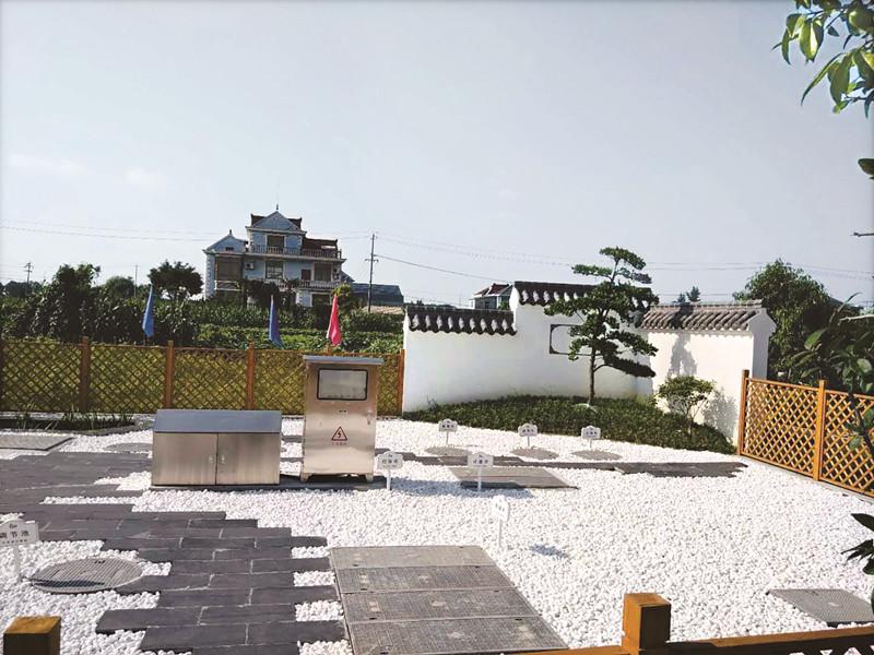 海陵区选择十个村庄试点打造花园式村庄生活污水治理设备站点