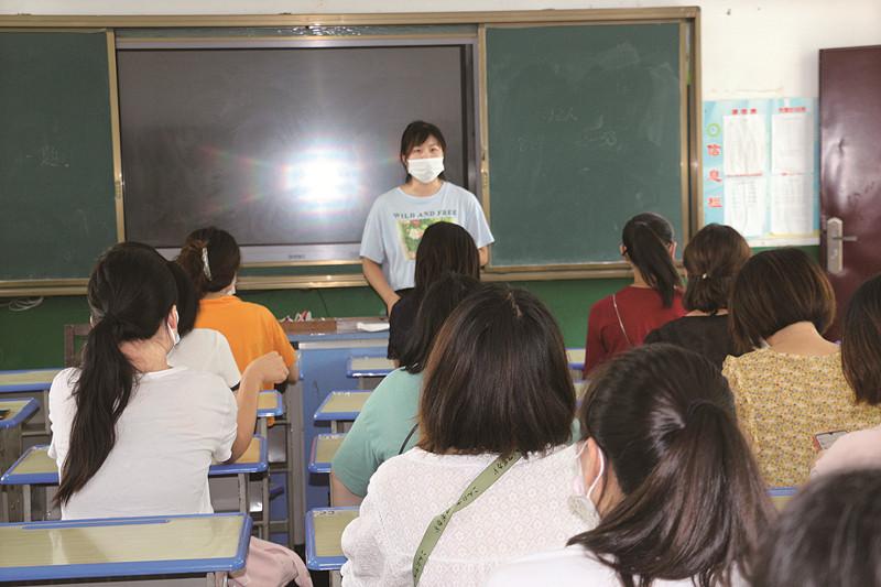 """开学在即,泰州市中小学筑牢校园""""防疫墙"""""""