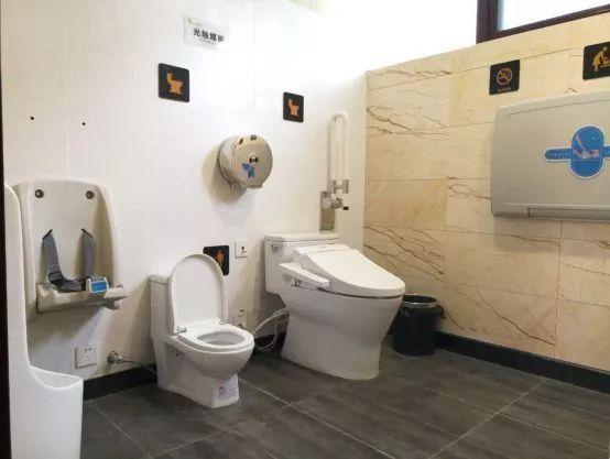 """泰州姜堰:推进公厕智能化改造 让""""方便""""之处更方便"""