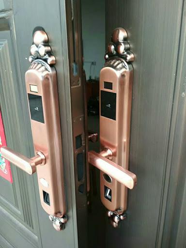 正规合法海陵区换锁公司电话