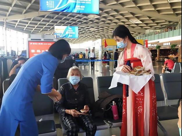 扬州泰州机场中秋国庆黄金周客流创新高,达到7.7万人次